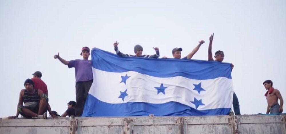 Alistan mesas para atender a migrantes de nueva caravana