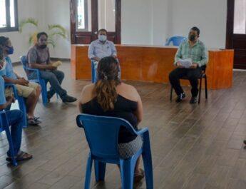 Julio Ortega se reunió con cooperativa de  lanchas y de trabajadores libres para escuchar sus peticiones