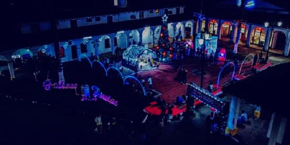 Se llevó a cabo el encendido del árbol de Navidad, en Santiago Tuxtla